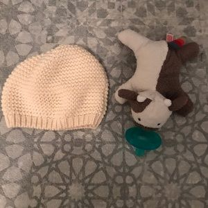 Other - Baby knit hat (along with free wubanub never used)